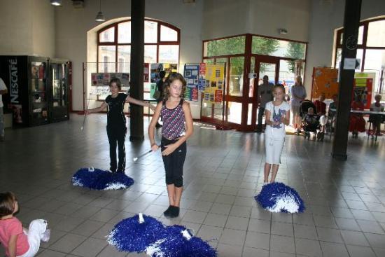 51 forum 2009 - les petites du Twirling Baton