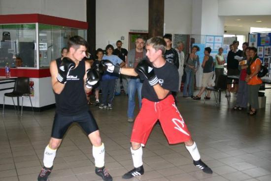 56 forum 2009 - boxe française, boxe pieds poings -