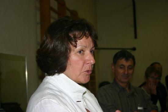 81 forum 2009 - Marie Line Martin approuve mais il faudra changer de lieu -