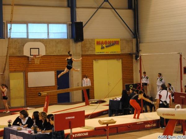 Chaumont 2010_015 joli saut d'Ophélie