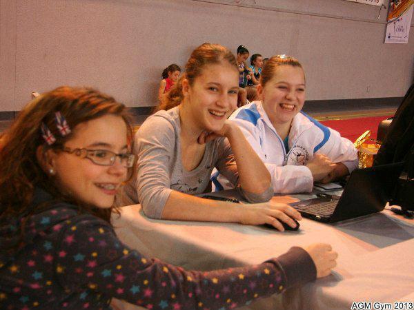 Lucie, Yuliya et Crystal à la sono