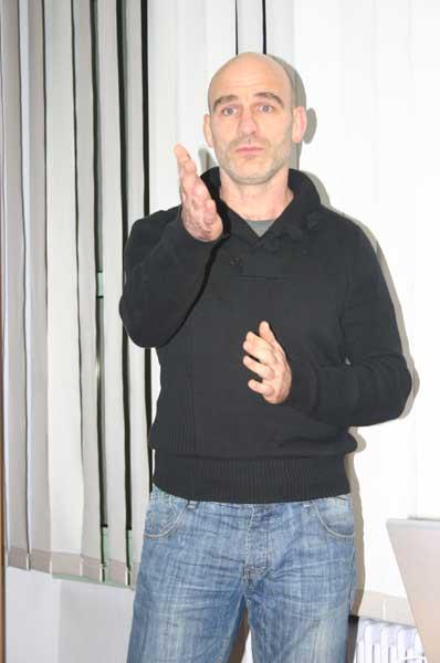 Raphael Meisss présente l'expo \