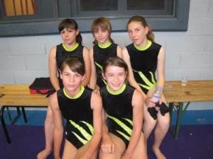 devant : Pauline, Manon derrière : Mégane, Elsa, Héloïse